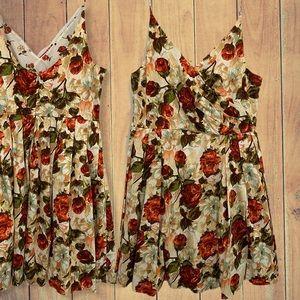 ISAAC MIZRAHI fit and flare beautiful floral dress